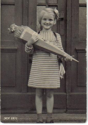 Margitta Schuleingang
